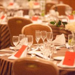 結婚式やフォーマルな席にもピッタリの「マールマールお食事エプロン」