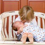 二人目の出産祝いは何を贈る?友人&ママ友に喜ばれるプレゼントの選び方とオススメ12選